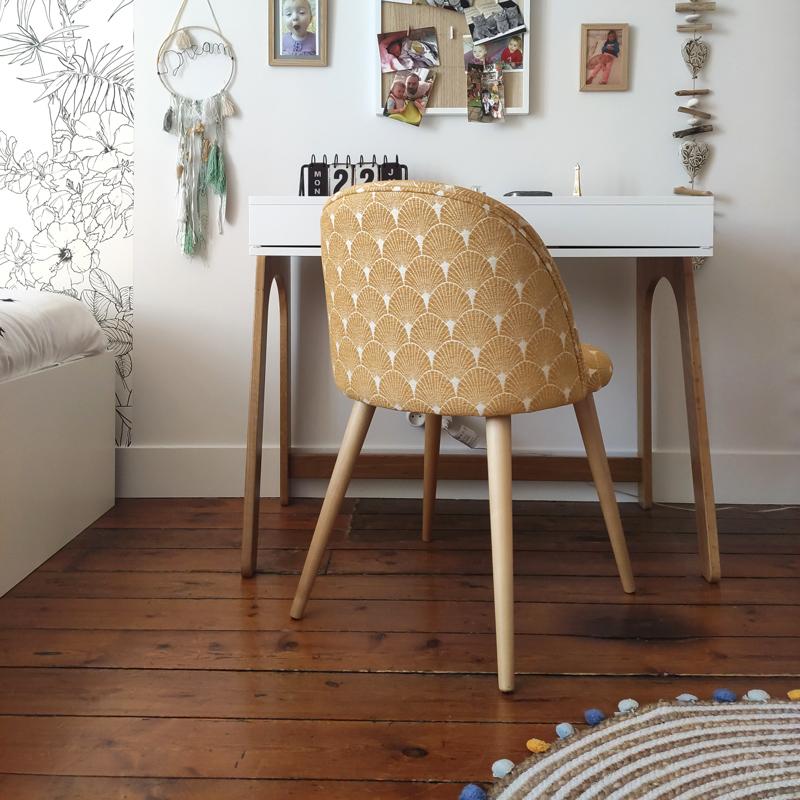 bureau et chaise chambre de fille